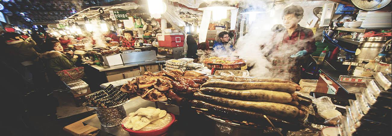 Conoce los lugares para comer comida callejera en corea