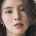 Acusan a madre de Han So Hee de ser una estafadora