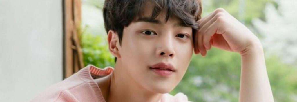Song Kang podría protagonizar la próxima serie de JTBC 'Though I Know It'
