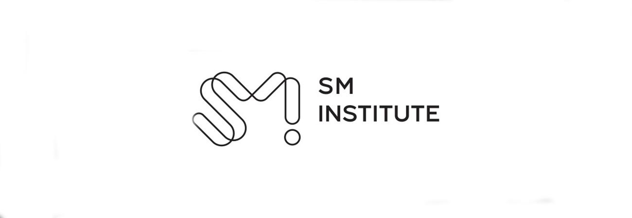 SM Entertainment cria escola para formar ídolos; Estrangeiros podem ser recrutados