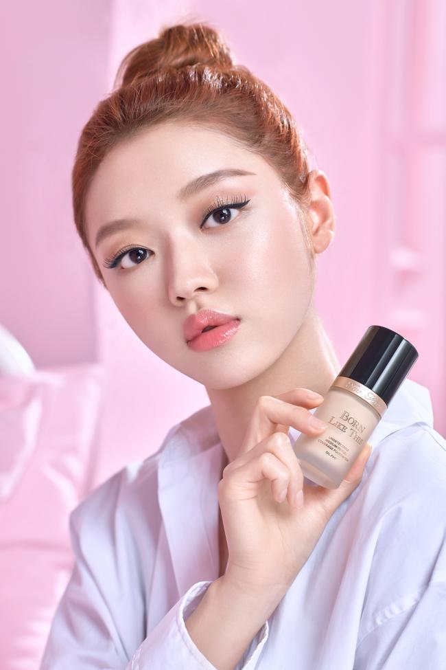 YooA de OH MY GIRL es el nuevo rostro de Too Faced Cosmetics