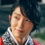 Fans eligen a los actores que lucen mejor en hanbok
