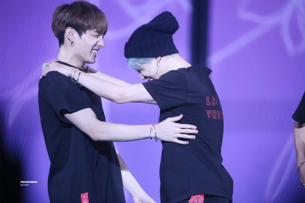 No podrás dejar de pensar en estás tiernas imágenes de Jimin y Jungkook de BTS