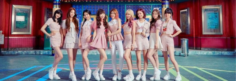 NiziU's debut MV, 'Step and a step' excede 3,2 milhões de visualizações