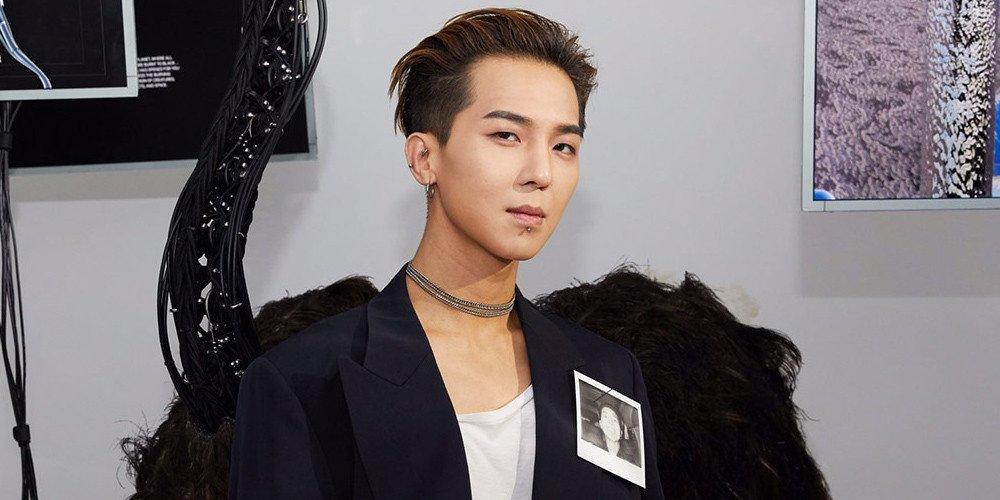 Song Min Ho de WINNER recibe el 'Issue Trend Award' de este año en los 'Korea Fashion Awards'
