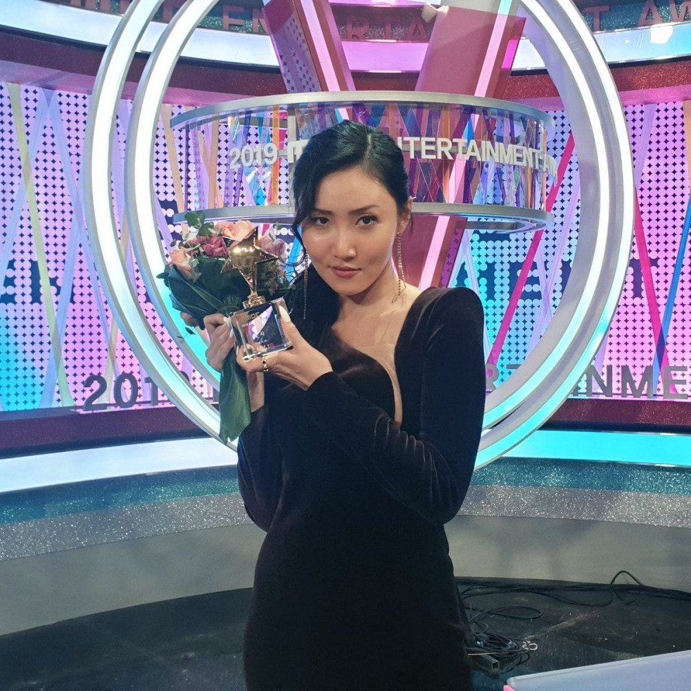 Felicitan a Hwa Sa de MAMAMOO, por sus logros consecutivos en los 'MBC Entertainment Awards'