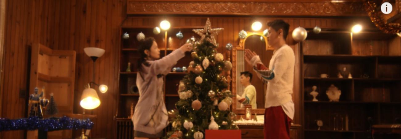 Lee Hi y Crush hablan sobre su próxima colaboración 'For You' mientras decoran un árbol de Navidad