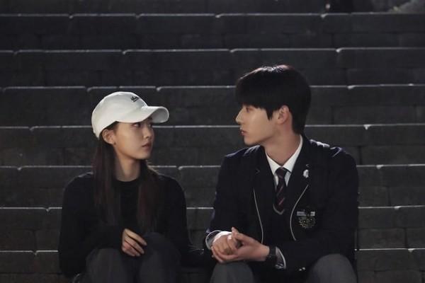Momento Conmovedor de Minhyun de NU'EST y Jung Da Bin en 'Live On'