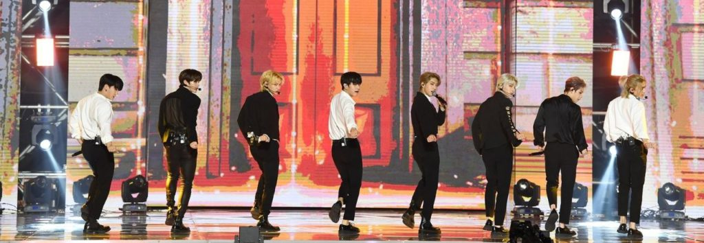 """Stray Kids realiza una invitación especial a STAY con el cover """"My House"""" de 2PM"""