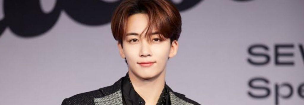 Fans le piden a Jeonghan de SEVENTEEN que dé un spoiler de los MAMA y así respondió