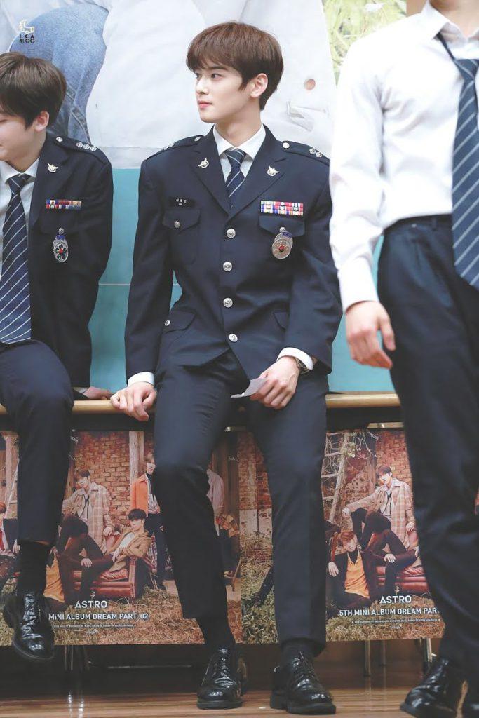 Ocho ídolos de K-pop que pueden ser príncipes de un cuento de hadas según netizens