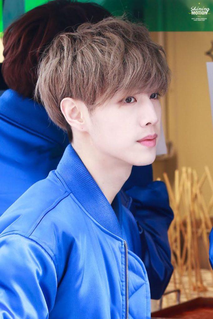 Mark de GOT7 capta la atención de los netizens por su apariencia