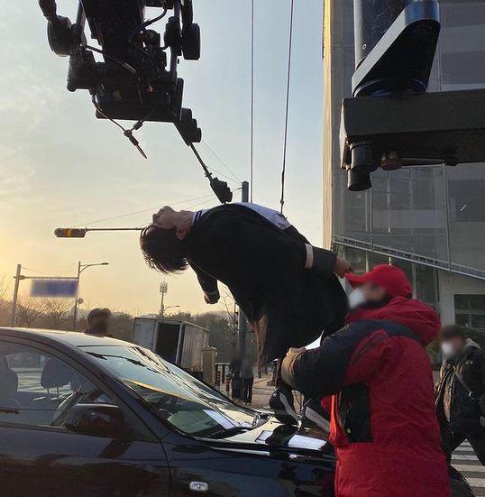 Descubre cómo se grabó la escena del accidente de Lee Su Ho y Seo Jun en 'True Beauty'
