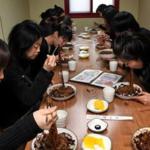 'Black Day', cuando los solteros de Corea celebran su día vistiéndo de negro