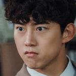 Taecyeon de 2PM es un apasionado becario en el dorama Vicenzo