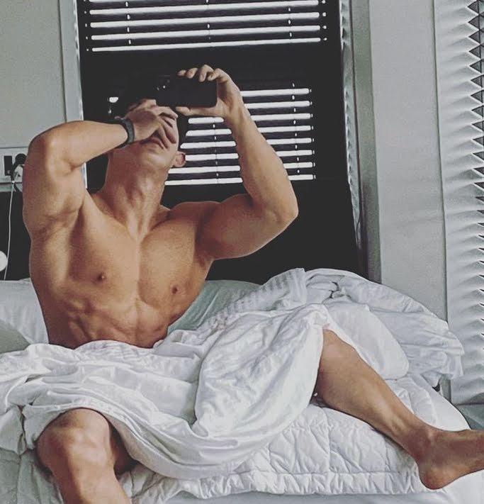Wonho revela nuevas imágenes y su sensualidad es casi ilegal