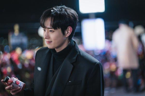 Kim Young Dae hace una aparición en reciente episodio de 'True Beauty'