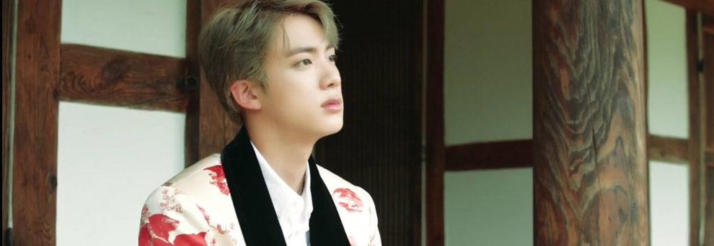 Jin revela el significado de los accesorios para la habitación de ARMY