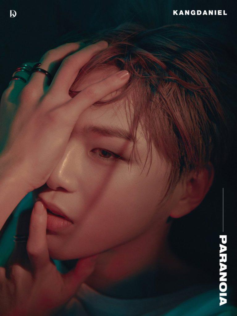 Kang Daniel se muestra vulnerable en las fotos conceptuales para su regreso con 'Paranoia'