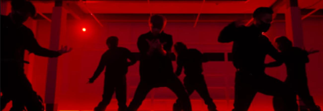 Kang Daniel estrena emocionante vídeo performance de 'Paranoia'
