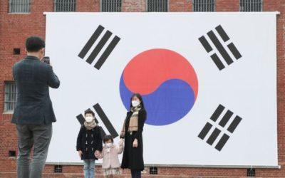 Coreanos celebran el 1 de Marzo