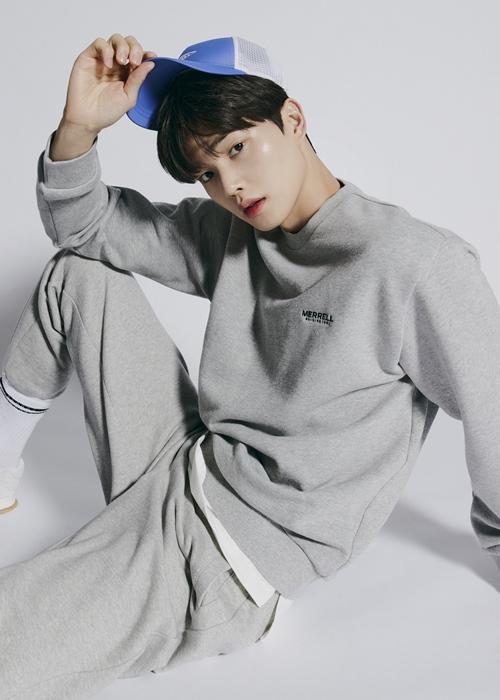 Song Kang es elegido como nuevo modelo para la marca Merrell