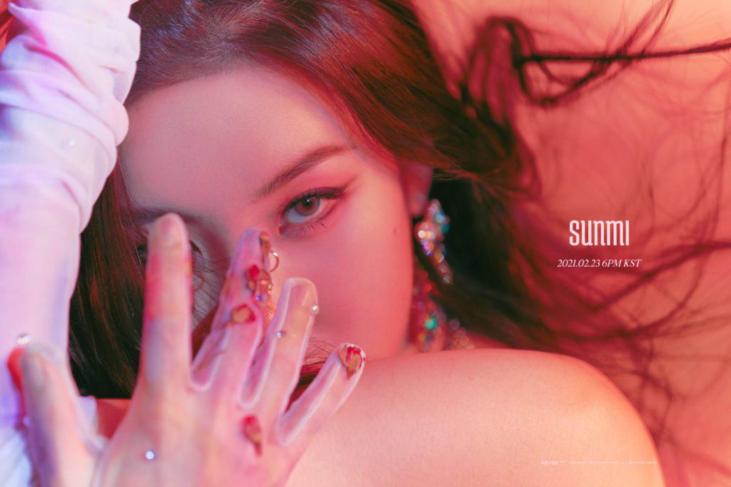 Sunmi adopta una imagen sexy y feroz en sus fotos conceptuales para 'Tail'
