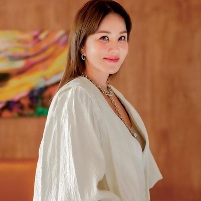 Uhm Junghwa