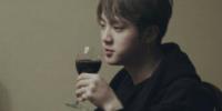 Jin de BTS confiesa que bebe alcohol antes de las grabaciones