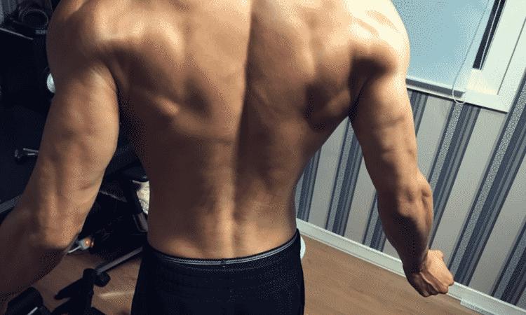 Netizen expresan su felicidad sobre el crecimiento de muscular de Sungyeol de INFINITE