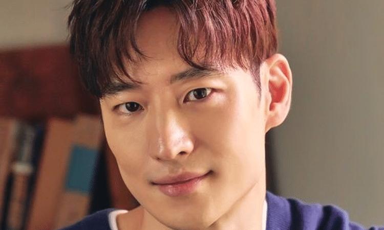 Lee Je Hoon termina contrato con Saram Entertainment luego de 12 años