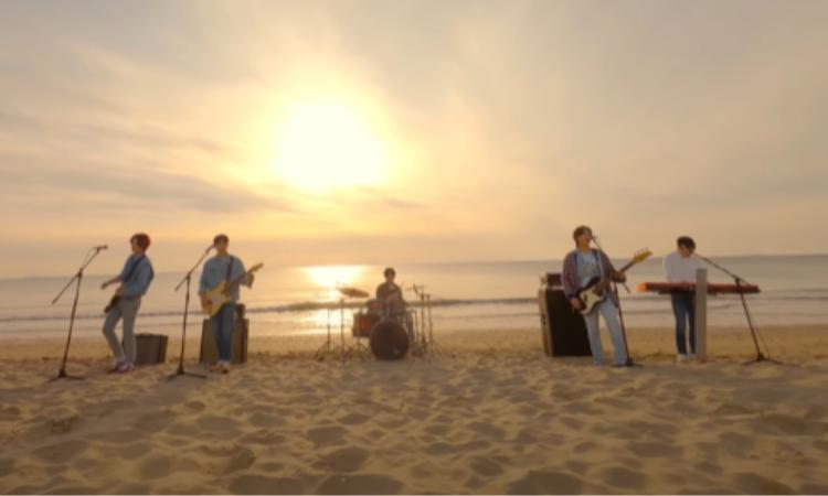 Day6 estrena un emotivo vídeo teaser en la playa para 'You Make Me'