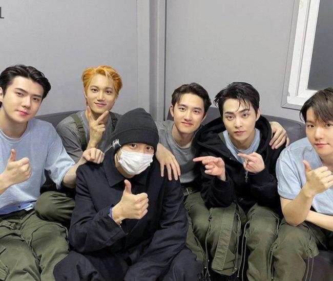 EXO comparte emotivas imágenes del alistamiento de Chanyeol