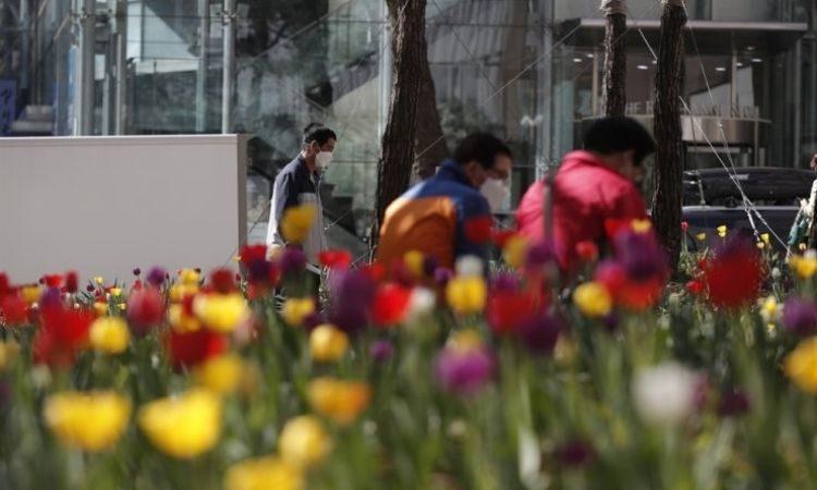 Disminución de transeúntes en las calles de Seúl