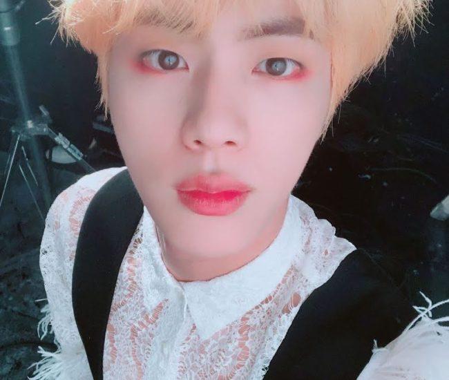 Jin de BTS comparte contenido inédito con ARMY a través de Weverse