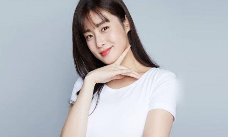 Actriz Kang Sora