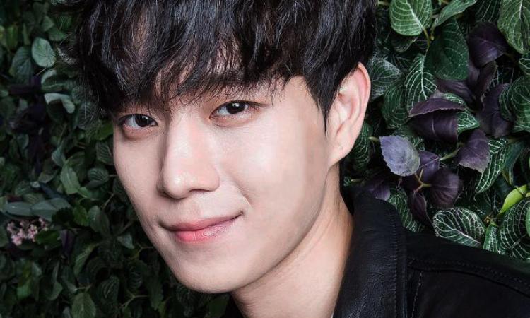 Kim Young Dae regala artículos de lujo al personal de su agencia