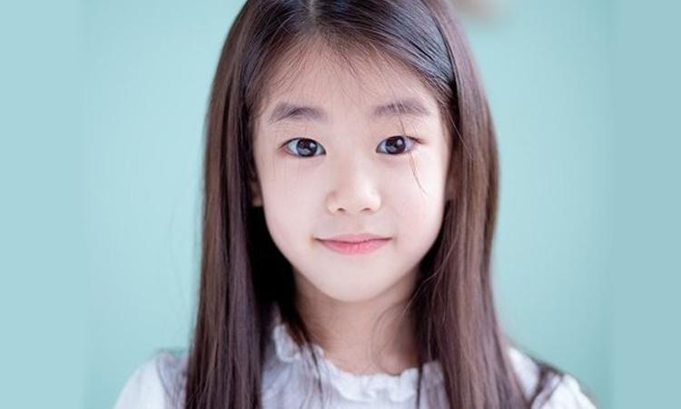 La actriz infantil Park So Yi firma con YG Entertainment