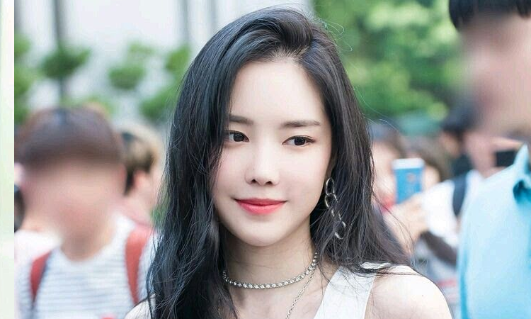 YG Entertainment en pláticas favorables para firmar a Son Naeun de APink