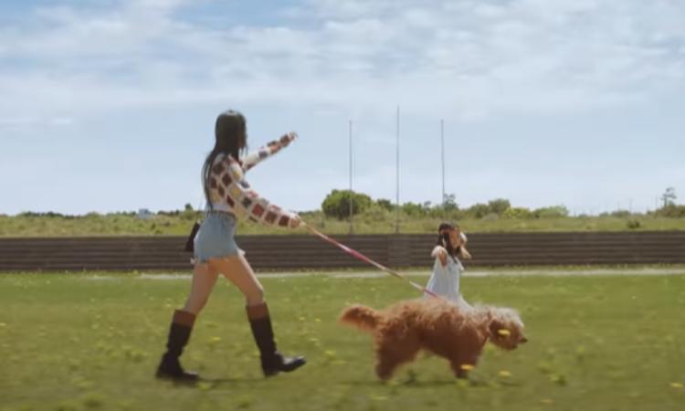 Joy de Red Velvet emprende una nueva aventura en el vídeo teaser de 'Hello'