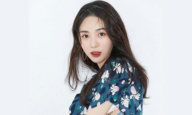 Mina ex miembro de AOA, revela que Jimin la golpeó