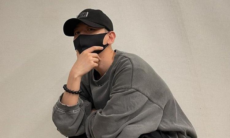 Baekhyun de EXO comparte su primera foto rapado antes de sualistamiento militar