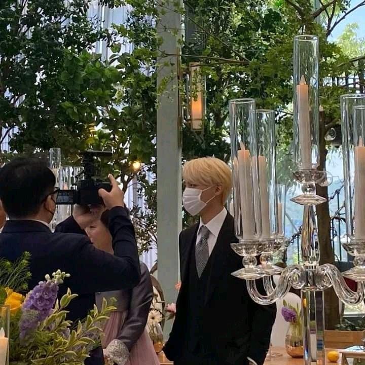 Se filtran fotos de J-Hope de BTS en la boda de su hermana