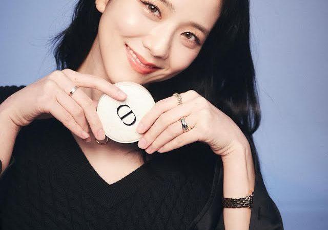 Jisoo de BLACKPINK admite que aún utiliza el costoso regalo de Jennie