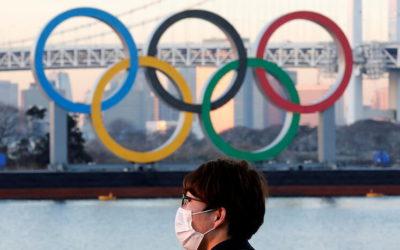 Imagen de logo de los Juegos Olímpicos en medio de la pandemia