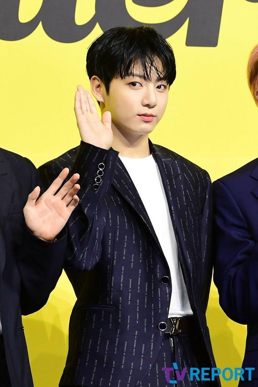 El nuevo estilo de cabello de Jungkook de BTS parece hacerlo envejecer como Benjamin Button
