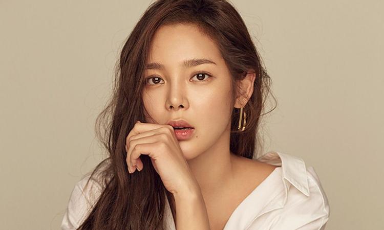 Park Si Yeon deberá pagar 10 mil dólares tras chocar ebria