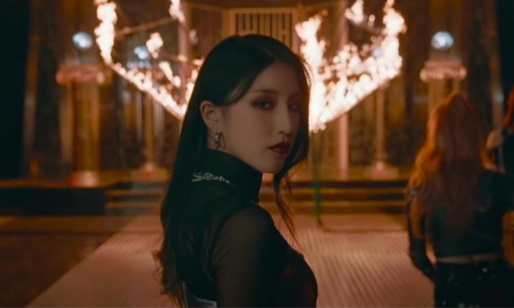 PIXY se destaca por su elegancia y encanto en el vídeo teaser de 'Let Me Know'