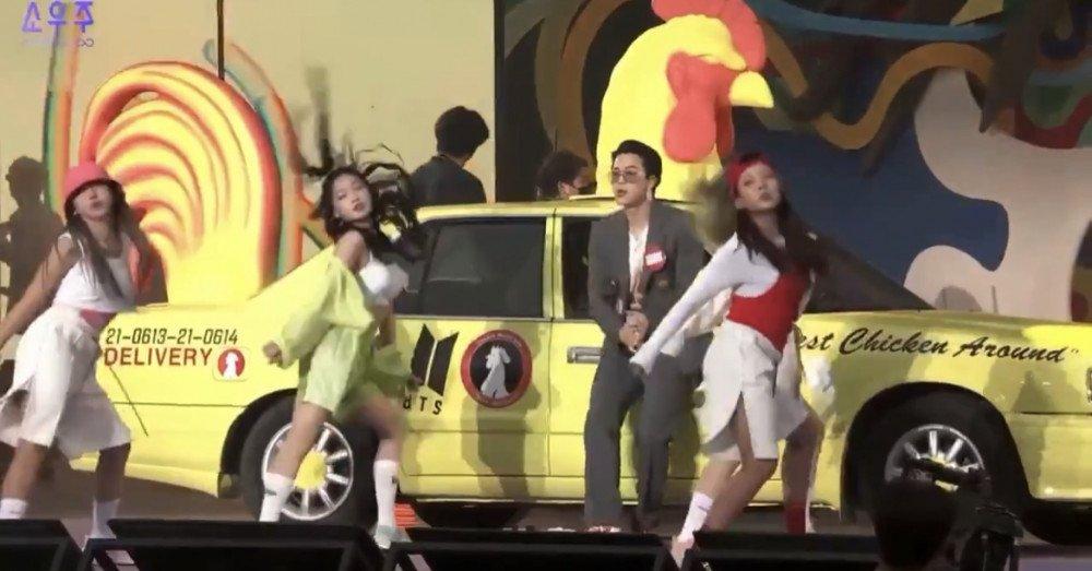 Netizens reaccionan a la actuación de BTS con bailarinas durante el 2021 MUSTER SOWOOZOO