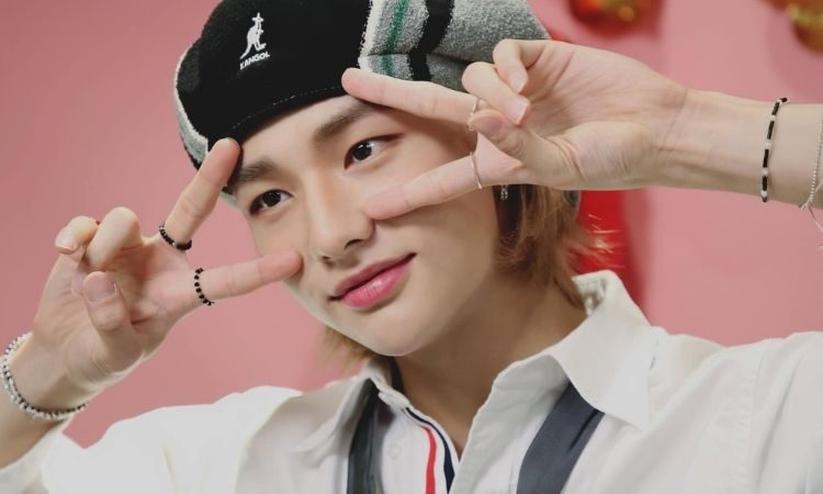 Hyunjin de Stray Kids en videollamada con una fan